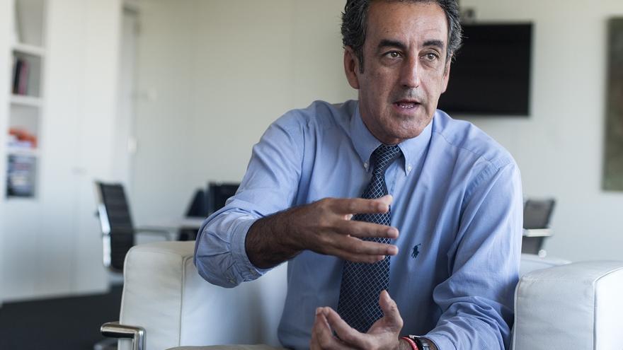 El consejero de Innovación, Industria, Turismo y Comercio, Francisco Martín.   JOAQUÍN GÓMEZ SASTRE