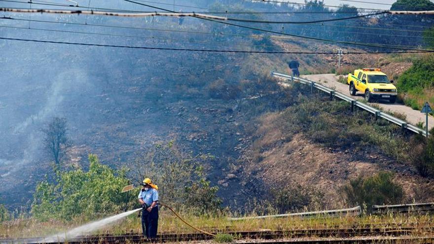 Los Bomberos logran estabilizar el incendio de Llançà (Gerona)