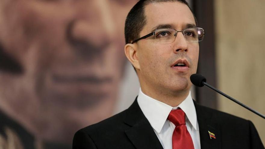 "El canciller venezolano acusa a Grupo de Lima de ""injerencista"""