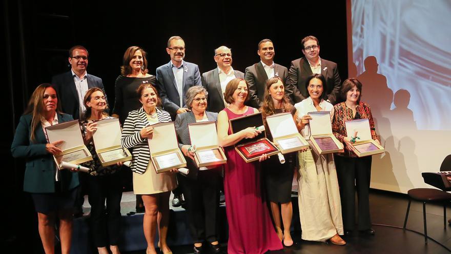 Las galardonadas durante la entrega de los premios.