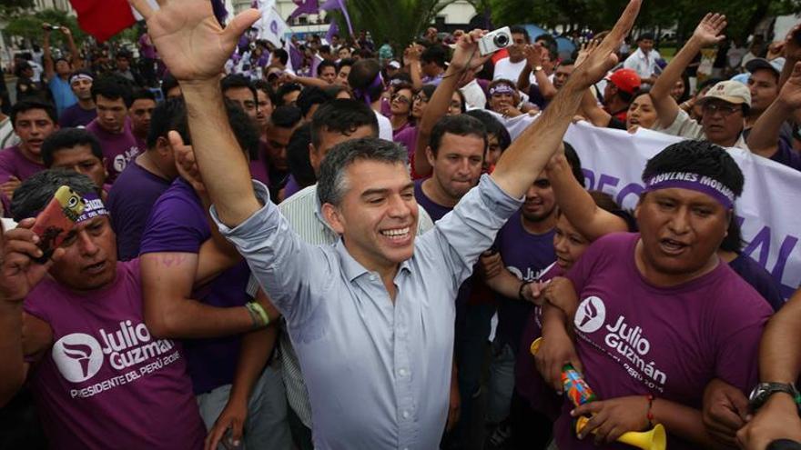 Jurado electoral falla contra partido de Guzmán y complica su candidatura