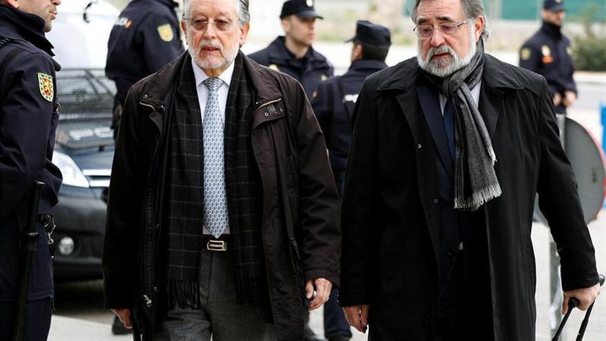 """El tribunal advierte a la acusación a Grau que evite """"disputas políticas"""""""