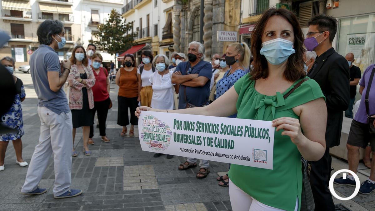 APDH-A convoca una concentración en defensa de los Servicios Sociales