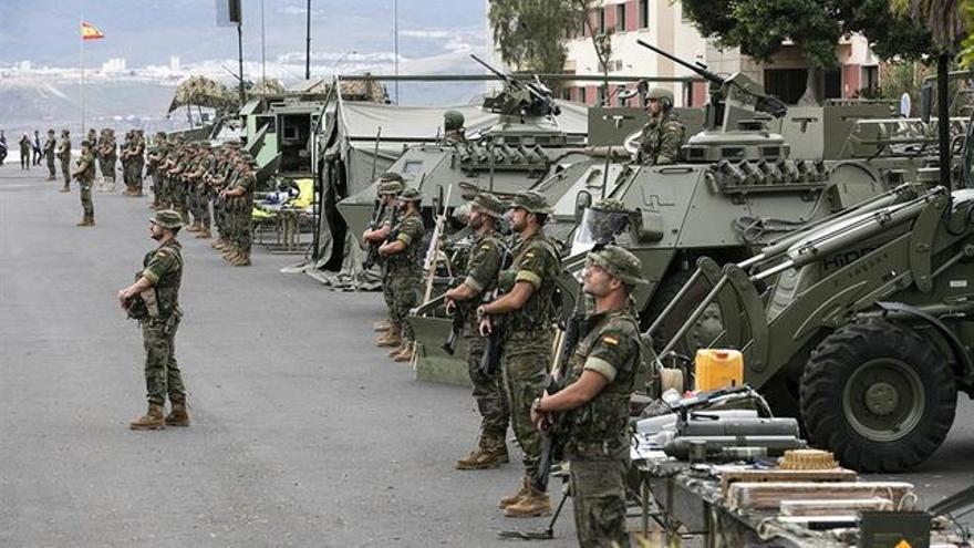 """Efectivos de la Brigada """"Canarias"""" XVI. EFE/QUIQUE CURBELO"""