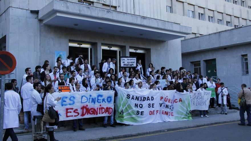Los médicos residentes de Andalucía llevan seis días en huelga