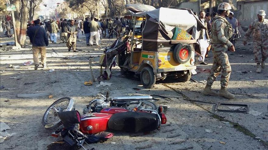 Al menos ocho muertos y 35 heridos en un atentado con bomba en Pakistán