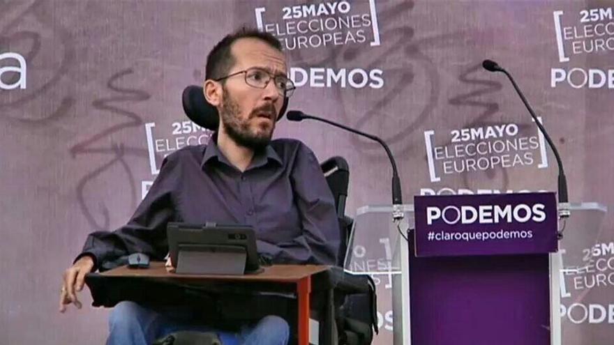 Candidato sobre ruedas en un mitin en Madrid