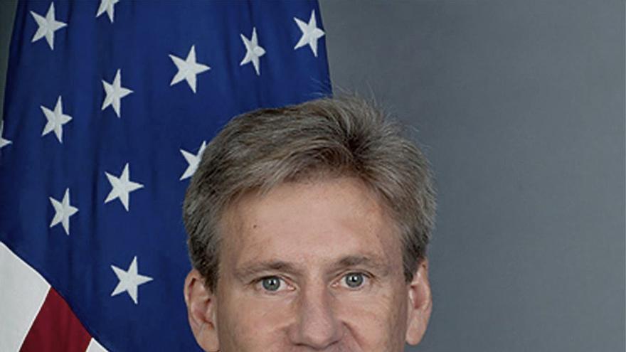 """Clinton afirma que los atacantes del consulado de EE.UU. en Libia """"no representan"""" al pueblo libio"""