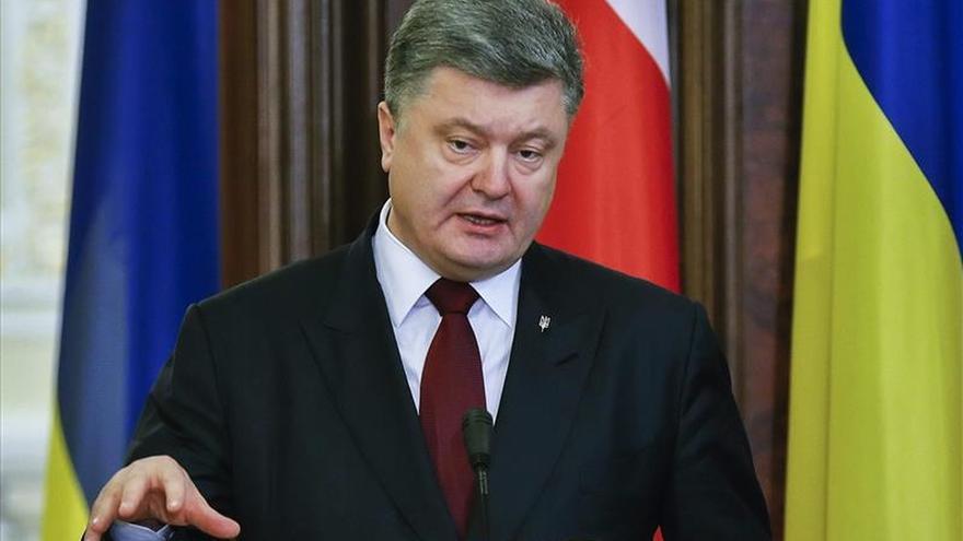 """Poroshenko quiere lograr """"plena interoperabilidad"""" militar con la OTAN para 2020"""