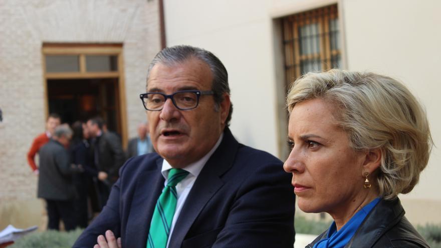 Luis Martínez de Salas y Adela Martínez Cachá / PSS