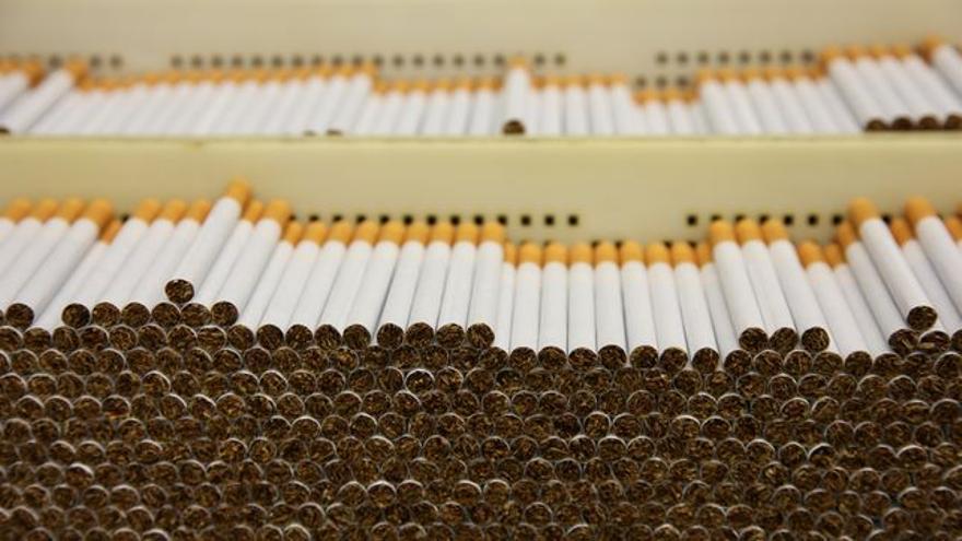 Cigarrillos en una planta de fabricación de tabaco.