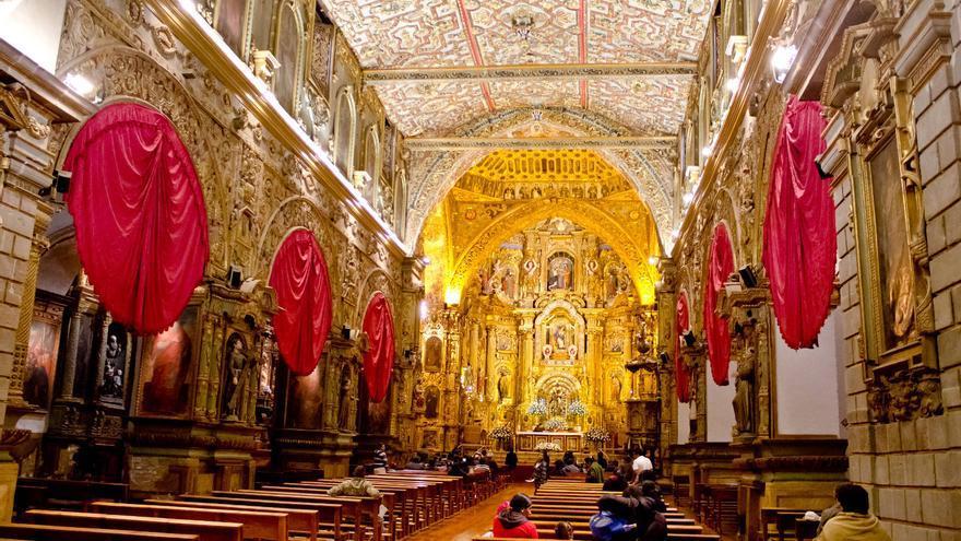 Nave central de la Iglesia de San Francisco, una de las más espectaculares de Quito. VIAJAR AHORA