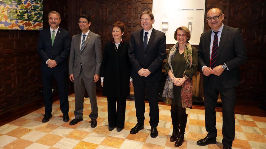 Ximo Puig, junto a las rectoras y rectores de las universidades públicas valencianas