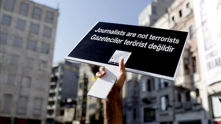 """La UE considera """"preocupante"""" el arresto de periodistas en Turquía"""