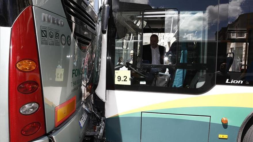 Once heridos,ninguno grave,tras chocar dos autobuses en una plaza de Pamplona