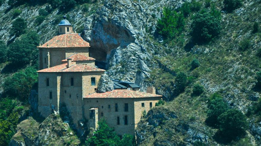 La Ermita de San Saturio a las afueras de la ciudad de Soria. David