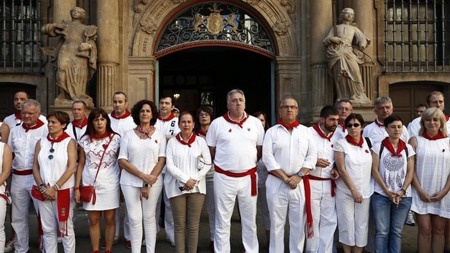 Instituciones y ciudadanos recuerdan en silencio a Miguel Ángel Blanco