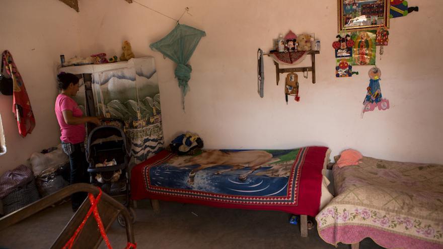 Casa de Exilda Fernández. Guaraní. 38 años y seis hijos. Foto: Salva Campillo / AeA