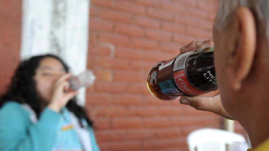 El consumo de bebidas gaseosas está vinculado con un mayor riesgo de muerte