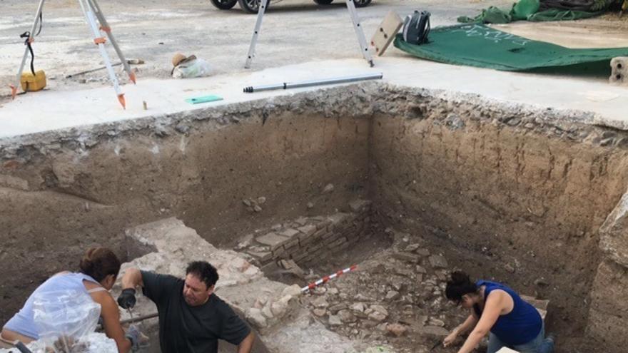 Las catas arqueológicas de la Junta en Mondragones descubren termas y edificios romanos de los siglos I al V