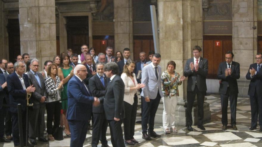 """Puigdemont al conseller cesado: """"No es un día de alegría. Es una decisión que como sabes no es fácil"""""""