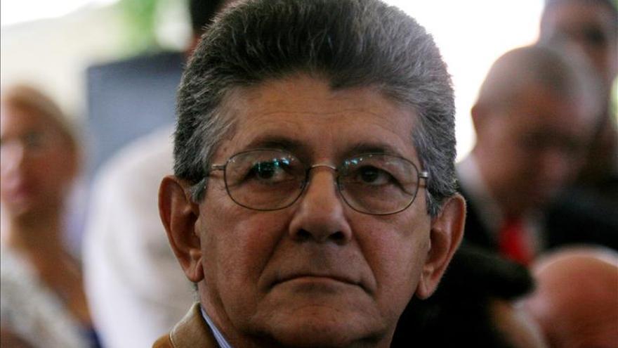 """Líder opositor pide no olvidar que ministro amenazó con despedir """"escuálidos"""""""