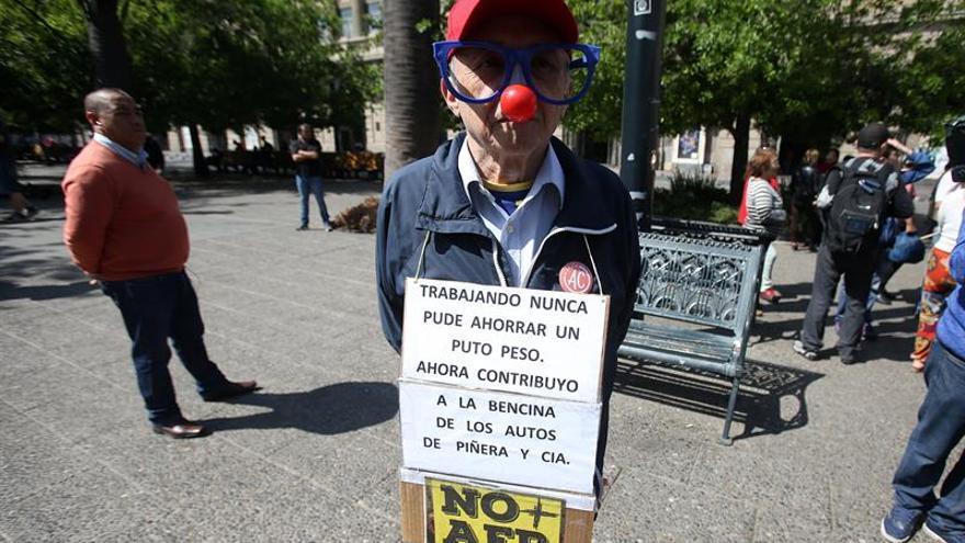 Marcha en Chile contra el sistema privado de pensiones tuvo escasa convocatoria