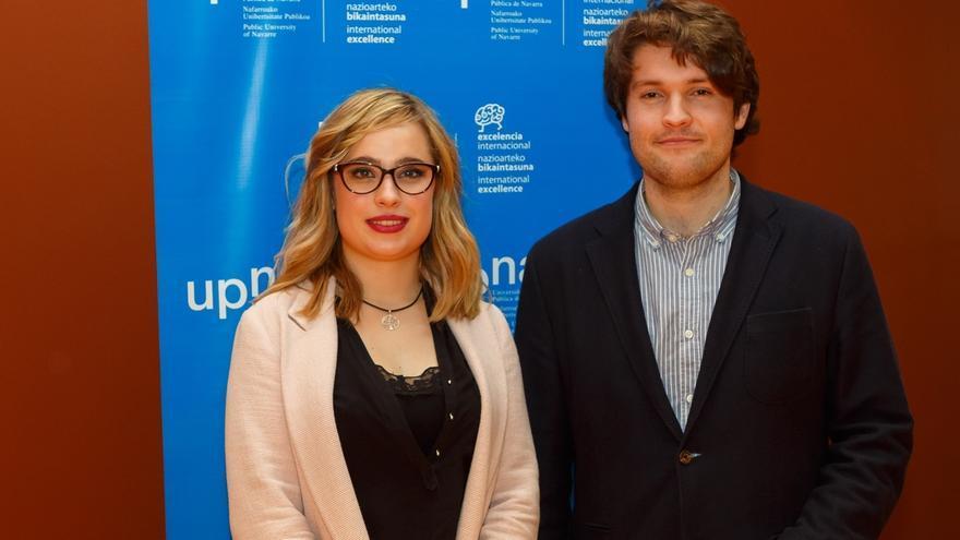 Los ingenieros Marta Cildoz, en máster, y Deyo Maeztu, en grado, ganadores del concurso de la UPNA 'En 3 Minutos'