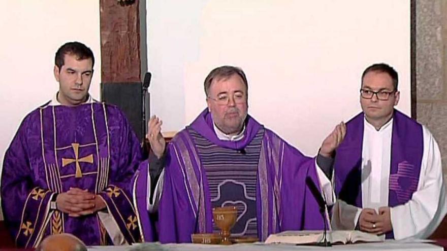 Captura de la retransmisión de la misa en el programa 'El día del señor' / RTVE