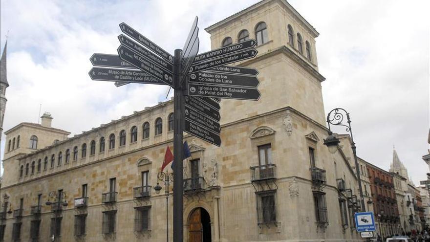 Dimite el presidente de la Diputación de León pero mantiene las actas