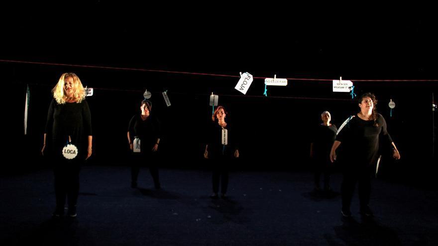 Andaluzas sin techo hacen del teatro su hogar
