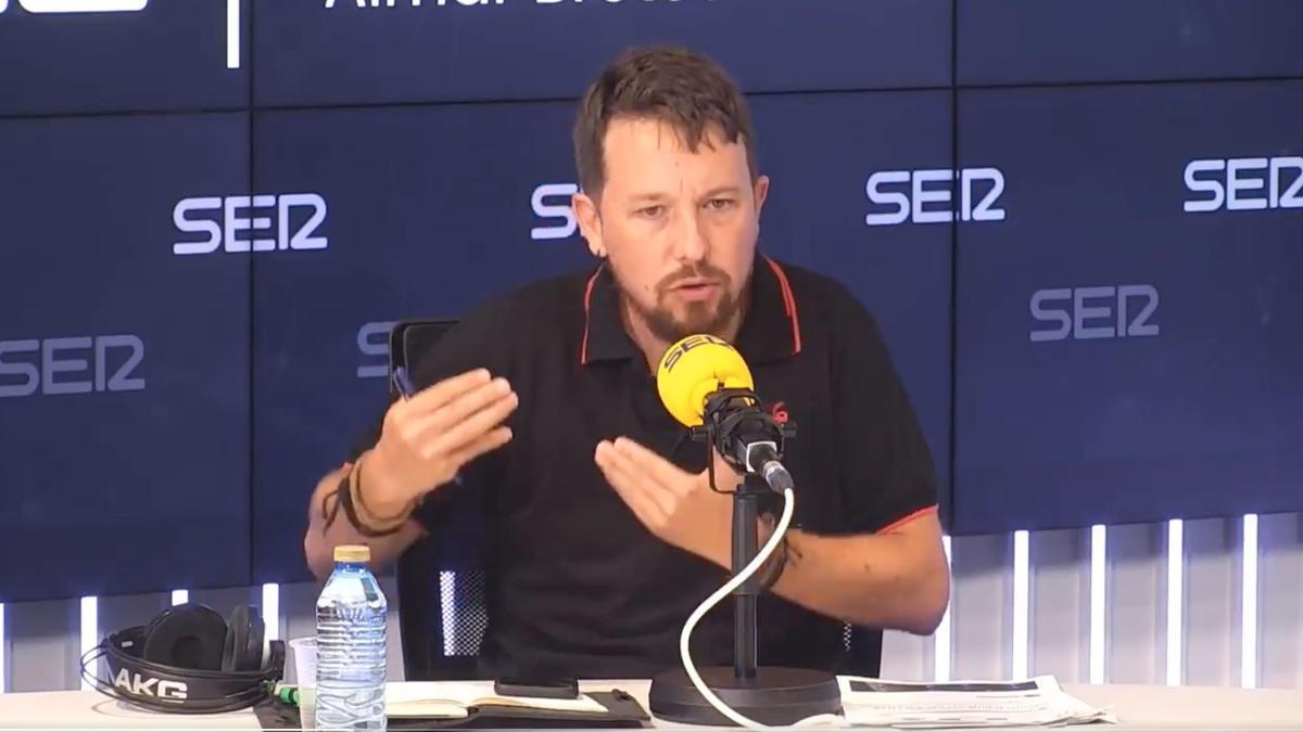 Pablo Iglesias, durante una participación en la tertulia de Hora 25..