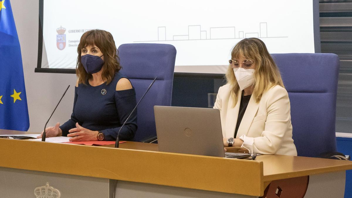 La Consejera de Vivienda en Cantabria y la directora general.