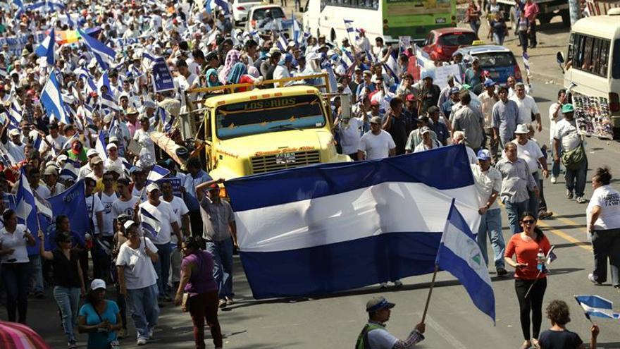 Miles aprovechan la visita de Almagro en Nicaragua para protestar contra Ortega