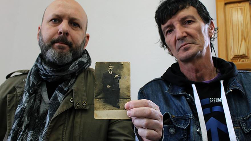 Francisco Nieto y Enrique García, familiares de víctimas del franquismo. | JUAN MIGUEL BAQUERO