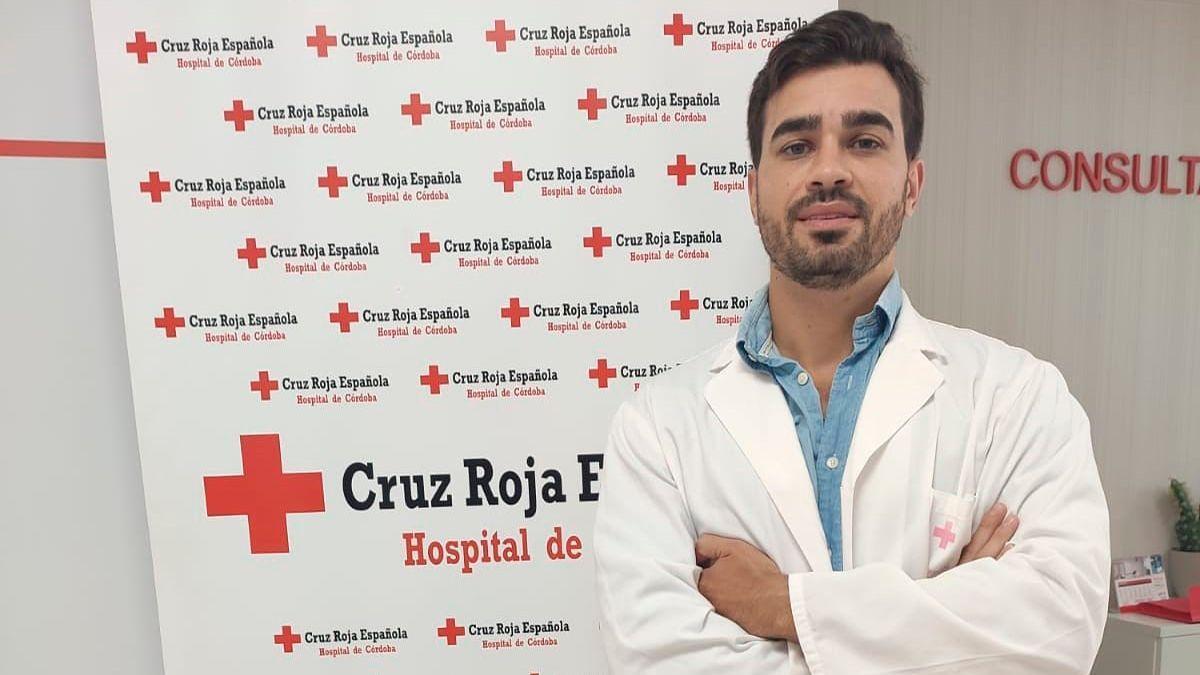 El doctor Javier González del Hospital de Cruz Roja.