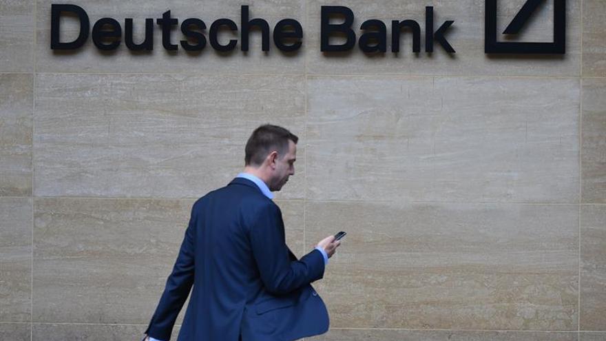 El Deutsche Bank anuncia que recortará miles de puestos de trabajo