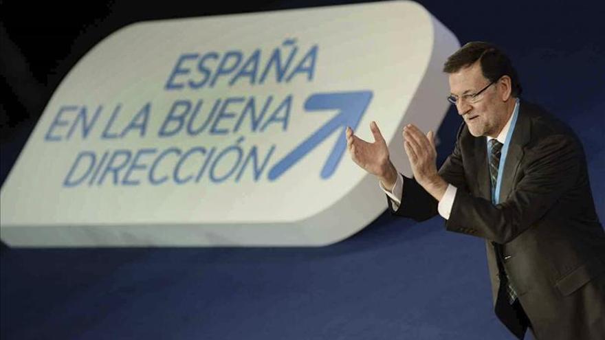 """Rajoy asegura, con las gafas de Google, que el futuro del partido """"se ve muy bien"""""""
