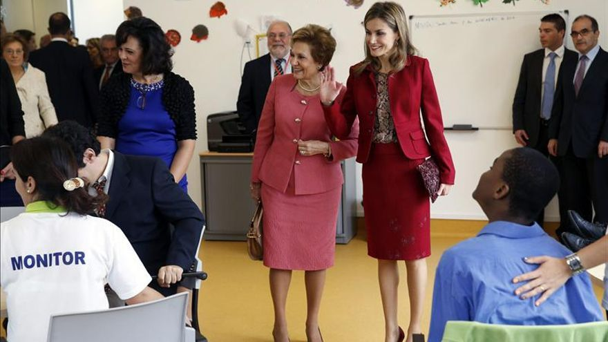 """La Reina promueve el apoyo a la investigación como """"un deber irrenunciable"""""""