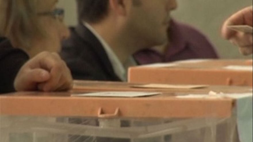 Los candidatos autonómicos acuden a las urnas