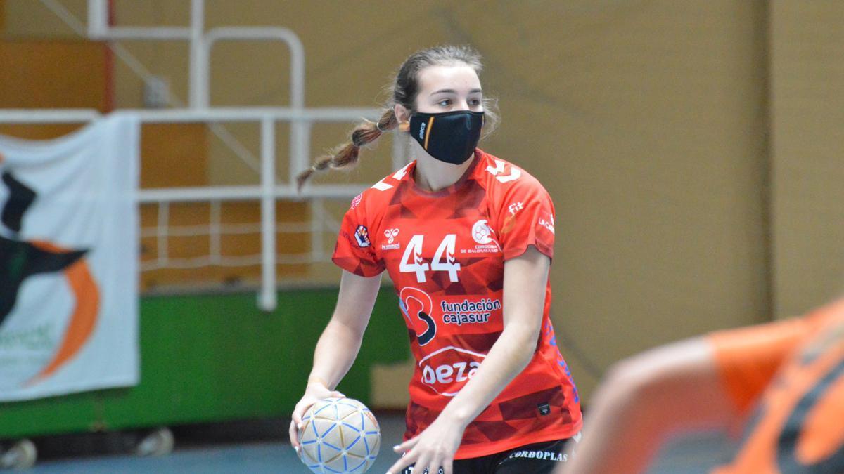 Elena Torres, en un partido del Deza CBM