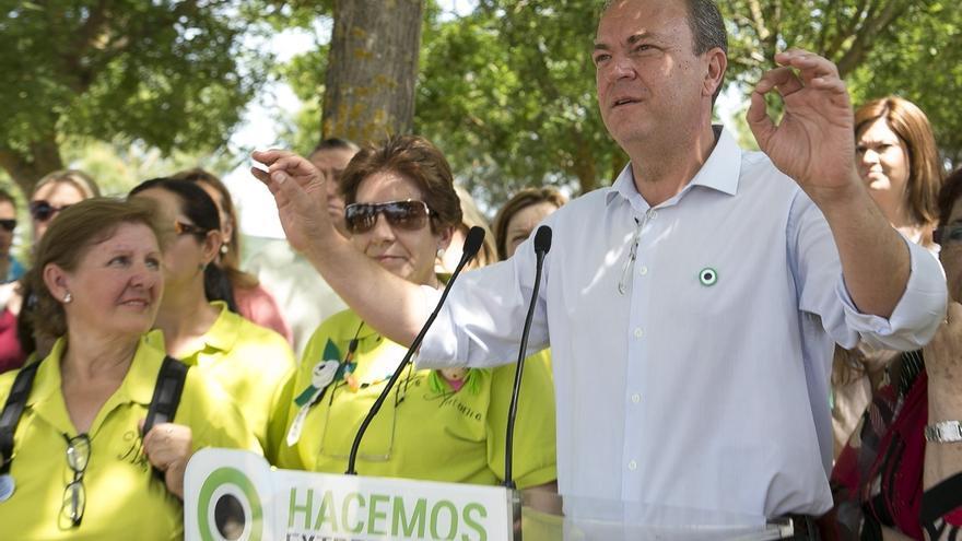"""Monago se compromete a aprobar un Estatuto de las mujeres rurales para reconocer su """"gran labor"""""""