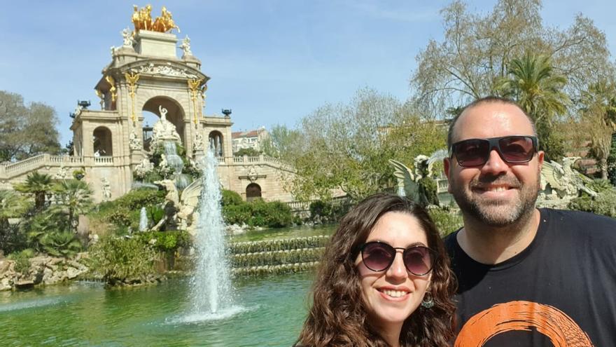 Ignacio Rebagliati y su novia Anabela, en la Ciudadela de Barcelona, poco antes de decretarse el estado de alerta en España.