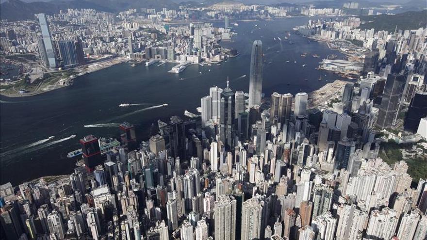 La Bolsa de Hong Kong cae un 0,46 por ciento a media sesión