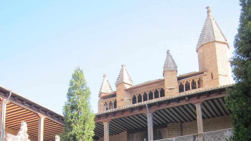 La restauración del Claustro de la Catedral de Pamplona comenzará este año con trabajos en la cubierta y fijado de losas