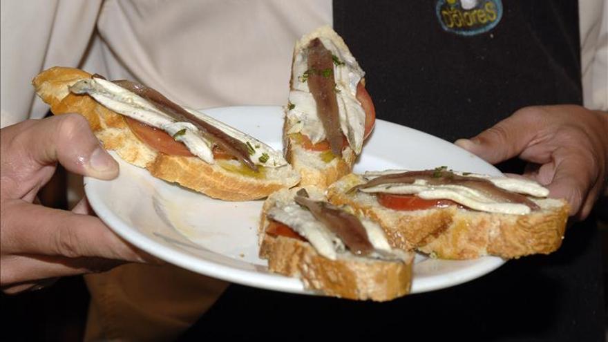 """Un crítico gastronómico advierte sobre la """"invasión"""" de """"tapas congeladas"""" en los bares"""