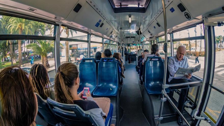 El transporte regular en canarias sufre un desplome de 28 millones de viajeros en diez a os - Transporte entre islas canarias ...