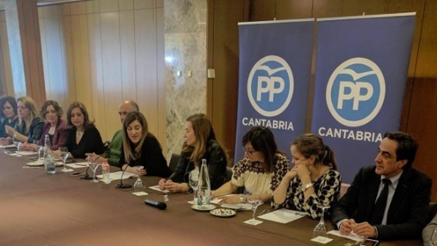 """El PP de Cantabria muestra su """"apoyo absoluto"""" a Gema Igual, que """"no mintió"""" sobre su formación"""