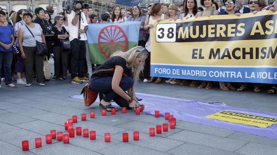 Artistas apoyan a las mujeres en huelga de hambre en la Puerta del Sol