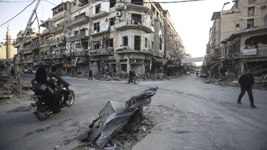 Al menos doce muertos por bombardeos en el este de la ciudad siria de Alepo
